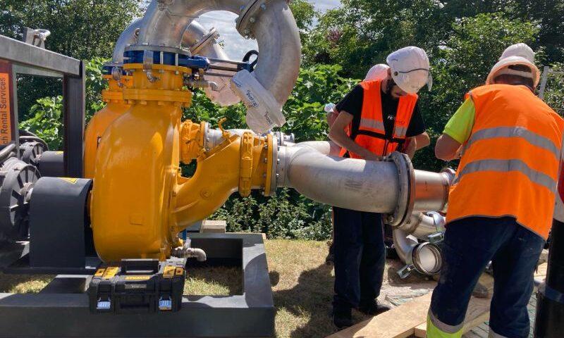 trabajos de trasvase aguas residuales en EDAR